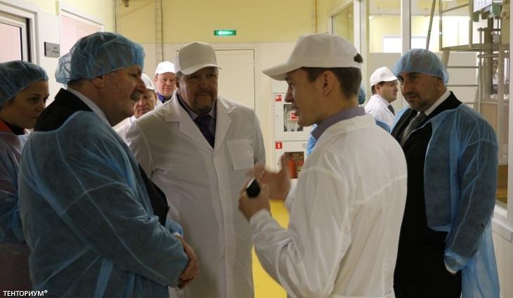 Делегация Венгрии на заводе по производству продукции Тенториум